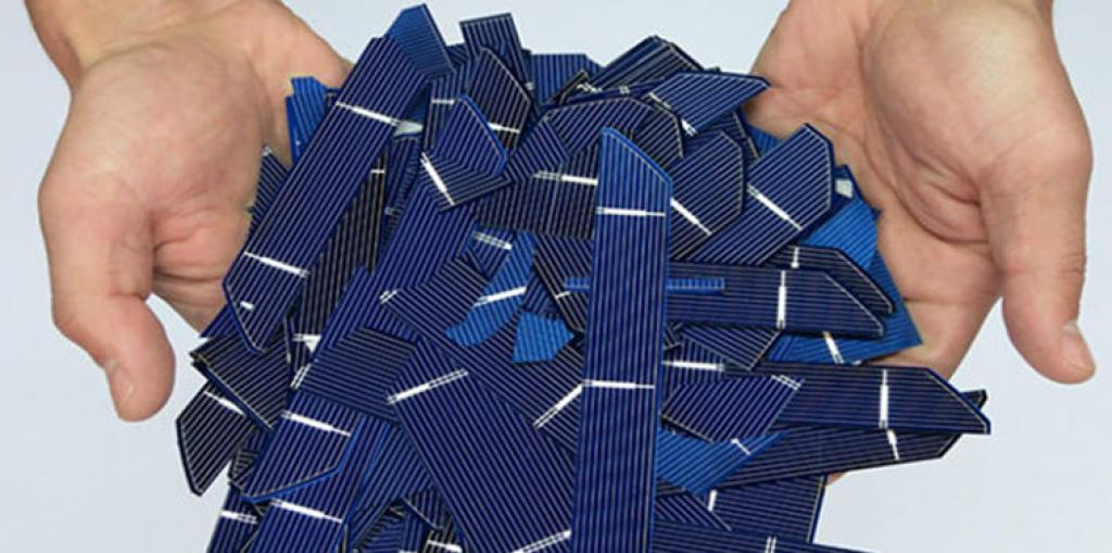 The industry standard life span of solar panels is about 25 to 30 years. Credit: sinovoltaics.com