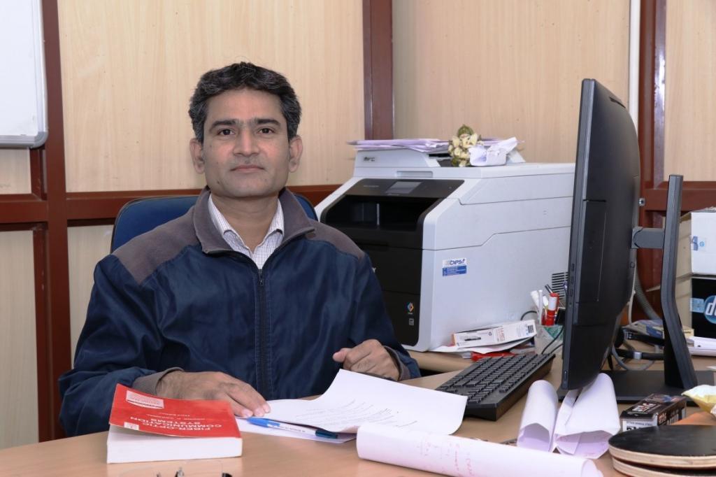 आईआईटी, रोपड़ के इलेक्ट्रिकल इंजीनियरिंग विभाग के वैज्ञानिक रविबाबू मुलावीसला