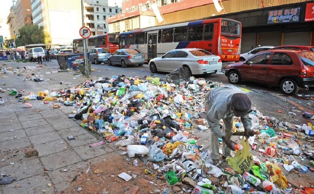 Dumped waste is a constant eyesore on the streets of Johannesburg, South Africa's economic hub. African News Agency Archives (ANA)