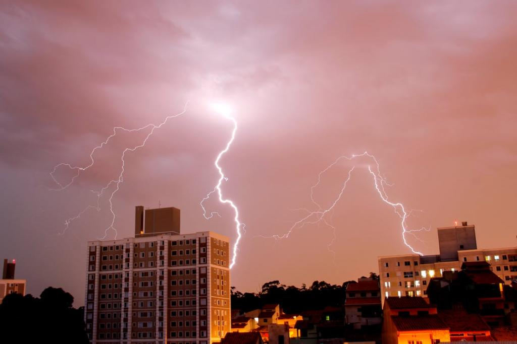 Thunderstorms accompanied with squall hit Uttar Pradesh, West Bengal, Andhra Pradesh and Delhi-NCR. Credit: Pexels