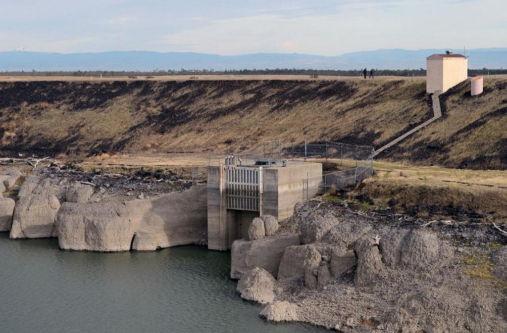 Even though dam-removal initiatives are gaining steam, Europe has plans to build thousands of new hydropower dams across the continent. Credit: USACE