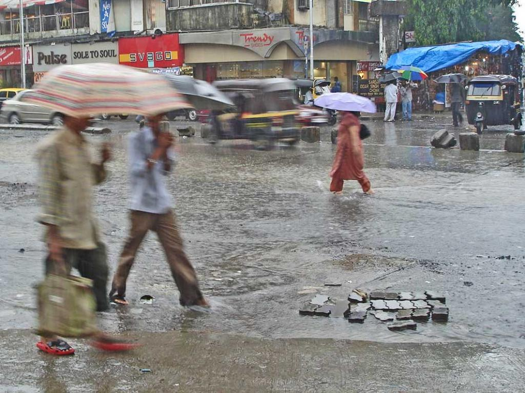 Between June 9 and June 11, heavy to very heavy rain is expected over Mumbai and the surrounding areas. Credit: Wikimedia Commons