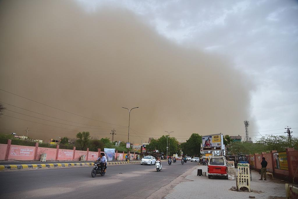 This year, dust storms have been a significant feature in the pre-monsoon season. Credit: Vikas Choudhury