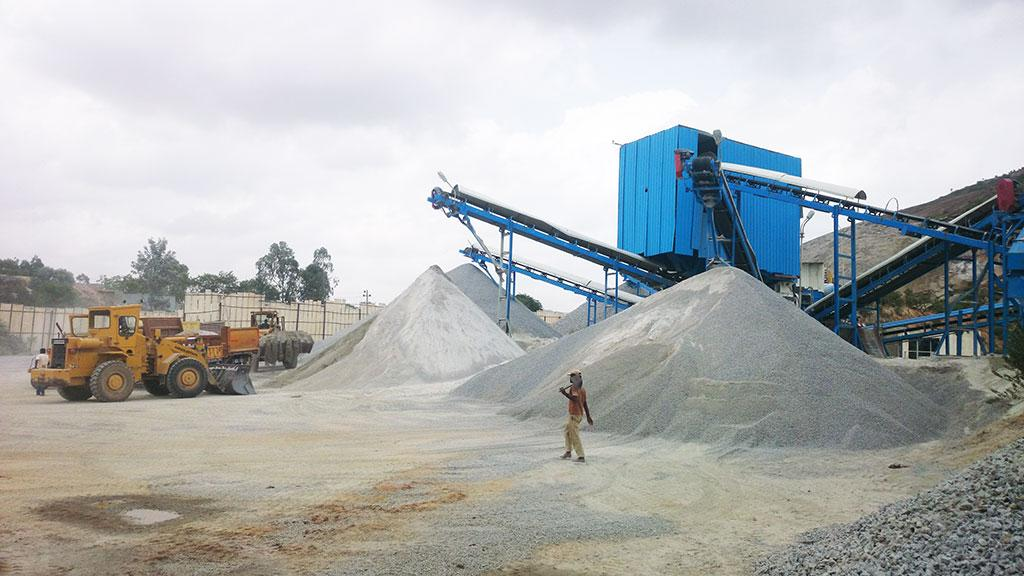 Karnataka, where river sand reserves have reached an all-time low, now manufactures sand  (m-sand) from gravel. The state is home to 164 of the country's 178 m-sand units  (Courtesy: msandtumkur.com)
