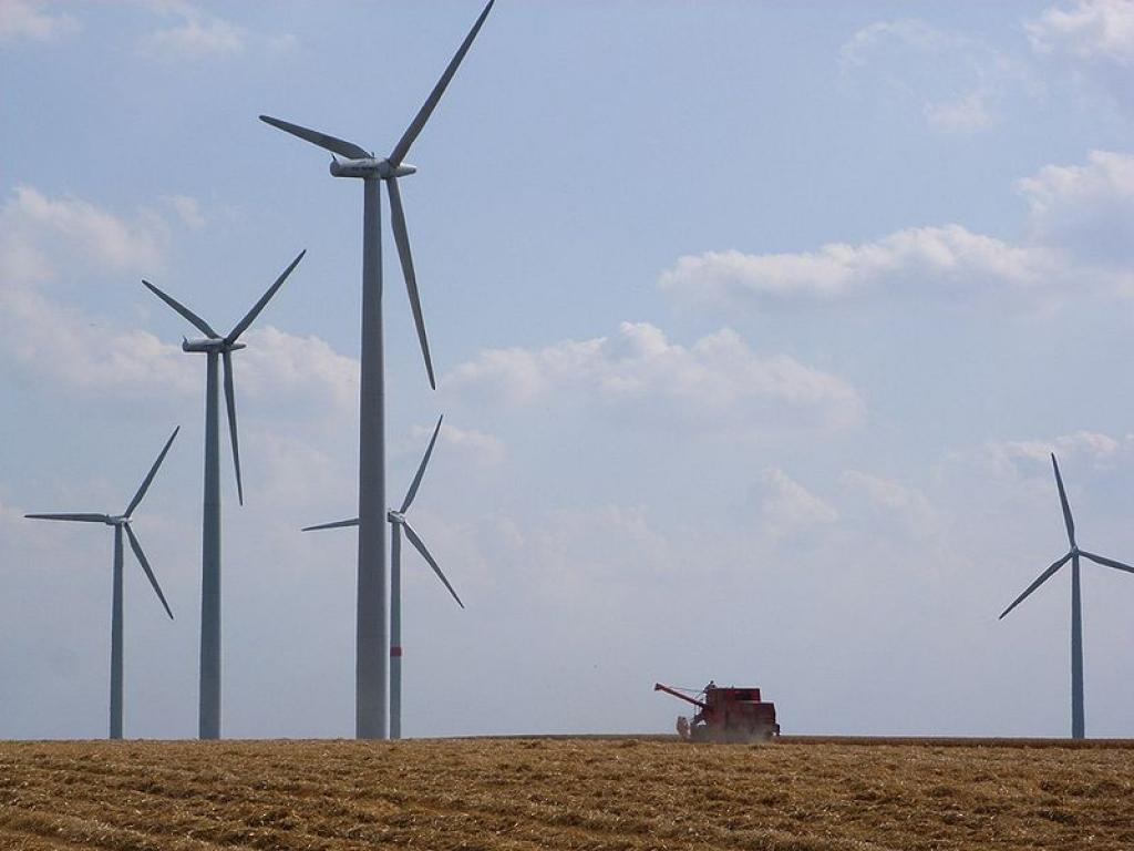 A wind farm near Lövenich, Germany         Credit: Wikimedia Commons
