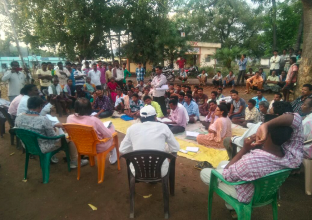 Fact-finding team hearing out concerns in Singannapalli R&R Colony. Credit: NAMP