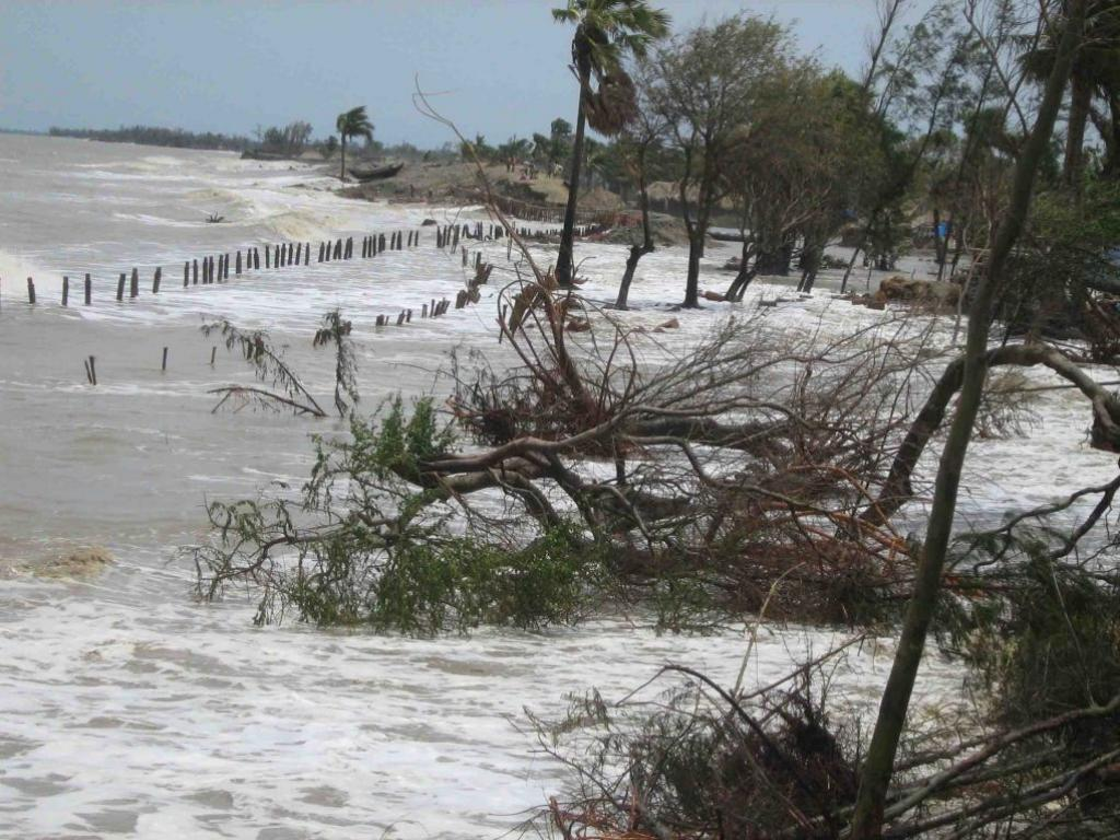 Inflow of tidal waters, Mousuni island, Sundarbans