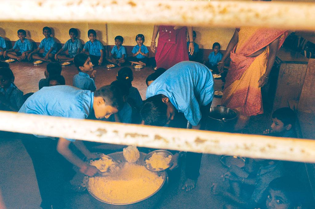 The Mid Day Meal Scheme provided cooked meals to 97 million children in 2016-17 (Photo: Savvy Soumya Misra)