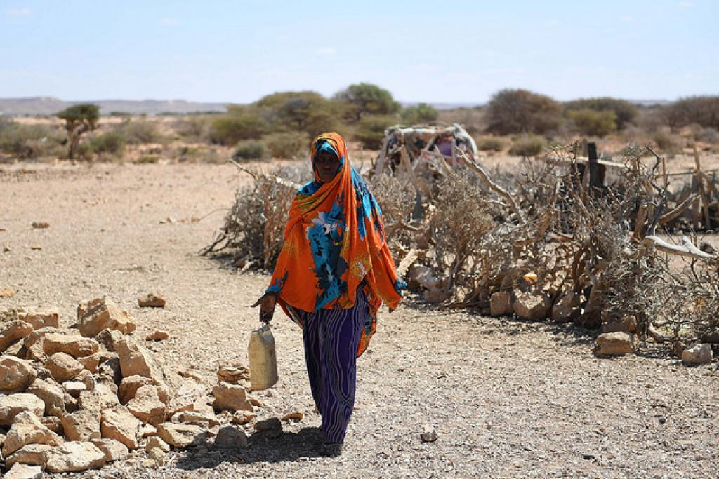 Women's vulnerability to floods and storms increases where they are less likely to know swimming and have proper access to shelters. Credit: Flickr/UNSOM Somalia