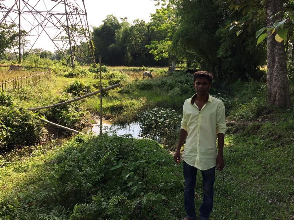 Ranjan Hazarika used a sluice gate to manage canal water for crop irrigation. Credit: Azera Parveen Rahman