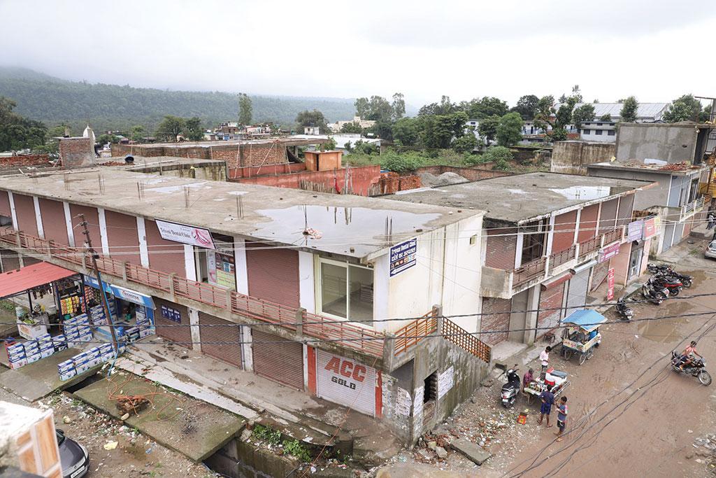 ऋषिकेश में खसरा नंबर 276 विवादित भूमि है, यहां के  निवासियों का दावा है कि यह  भूमि ग्राम सभा की है (राजेश दिवाकर)