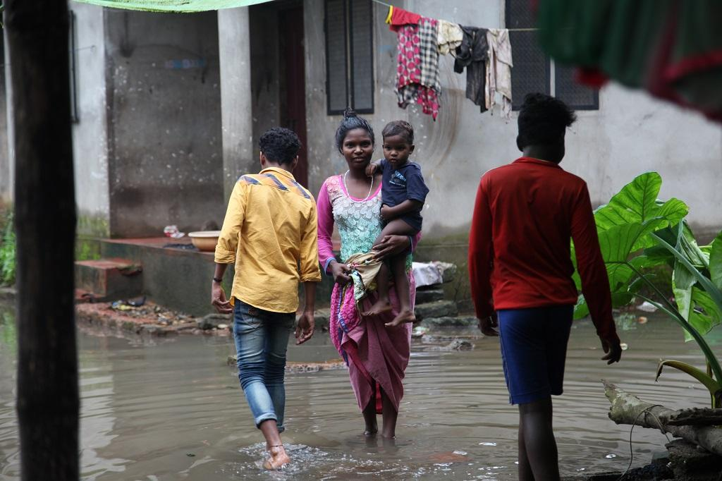 As the waters recede, many of the relief camps have been dispersed. Several families, whose houses are damaged fully or partially, are forced to live with their neighbours or relatives, sharing food, clothes and space. Here are few people sharing their ordeal