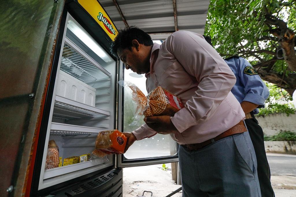 Community refrigerator