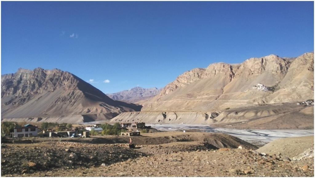 The sparsely-vegetated Spiti Valley. Credit: Vaishnavi Rathore