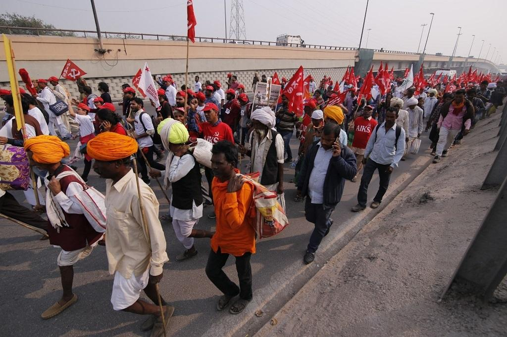 A group of farmers march in the Capital. Credit: Vikas Choudhary