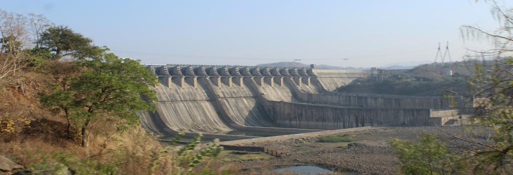 Earlier audit reports had highlighted how projects like Sardar Sarovar dam on the Narmada river had received AIBP funds in violation of the programme guidelines. Credit: Wikimedia Commons