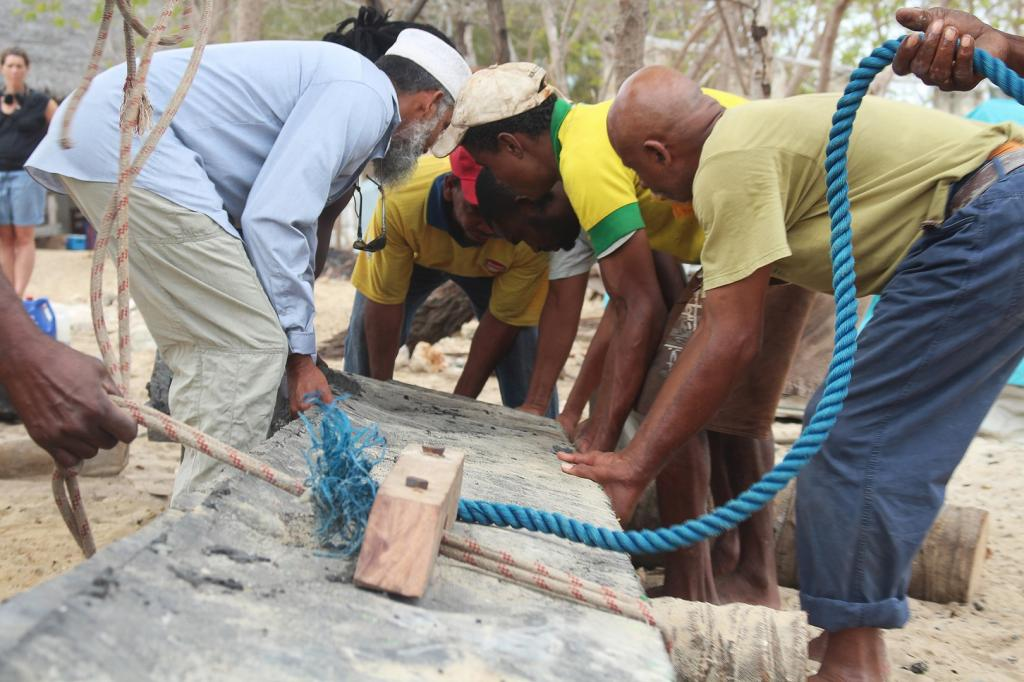 The team had to pioneer new techniques to craft the various components of the boat—plastic waste was melted, shaped and carved by the team. Photo: UN Environment/The FlipFlopi Project