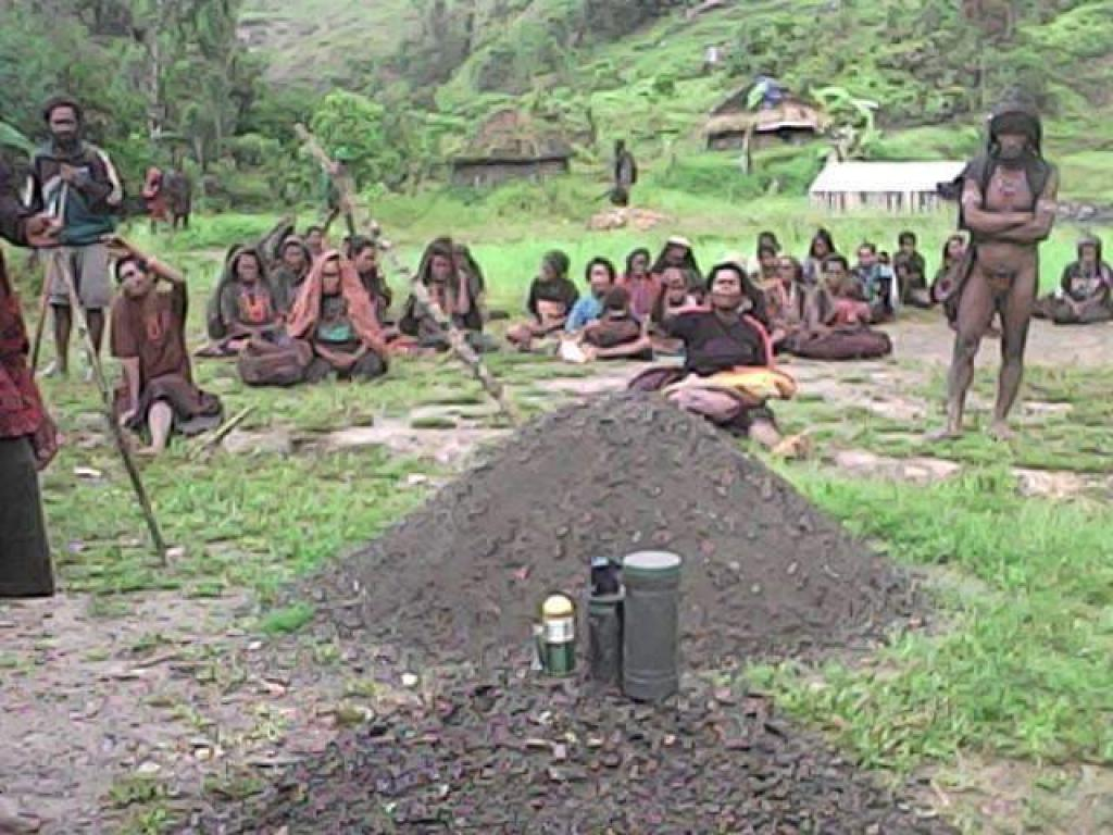 Indigenous people in the Nduga region of West Papua. Credit: Survival International