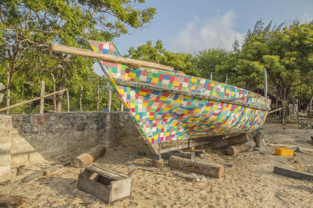A traditional sailing boat, made entirely from plastic trash collected from beaches and towns in Kenya, is set to make its first voyage from Lamu to Zanzibar in Tanzania. Credit: Abdalla Barghash/UN Environment/The FlipFlopi Project