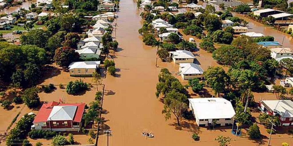 Northeastern Australian state of Queensland has been hit by once-in-a-century floods, which may worsen as unprecedented amounts of rain continues to fall. Photo: @The_Cees/Twitter