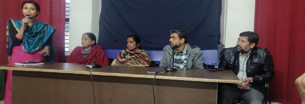 Patients talking to the media. Credit: Banjot Kaur Patients talking to the media. Credit: Banjot Kaur