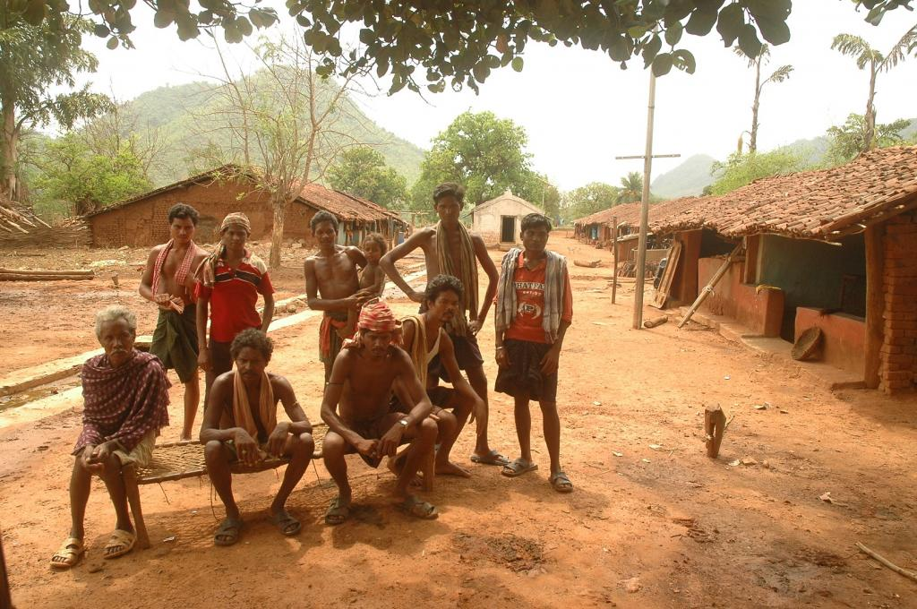 Dongria kondh tribals in Niyamgiri. Photo: Agnimirh Basu/CSE