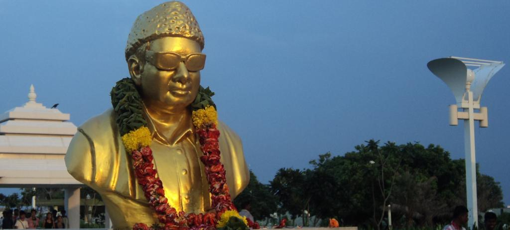 MGR statue at Chennai's Marina beach. Photo: WIkimedia Commons