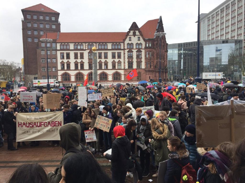 Students in Dortmund, Germany, join the #FridaysforFuture demonstration at Friedensplatz in the city centre. The mayors of Paris, Milan, Sydney, Austin, Philadelphia, Portland, Oslo, Barcelona & Montreal have indicated in a statement that they want to hear ideas from the youth about how to tackle climate change. Photo: @julentek/Twitter