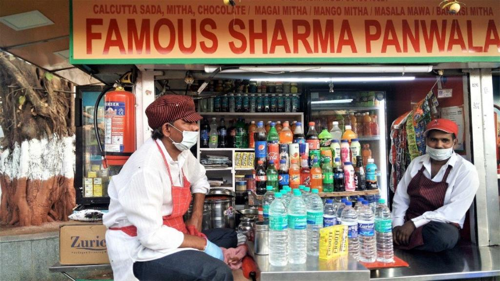 Girgaum Chowpatty's Famous Sharma Pan Stall workers wear masks 