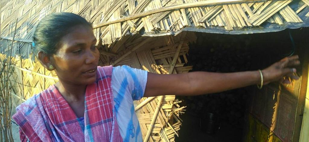 A tea estate worker narrates her ordeal. Photo: Atonu C