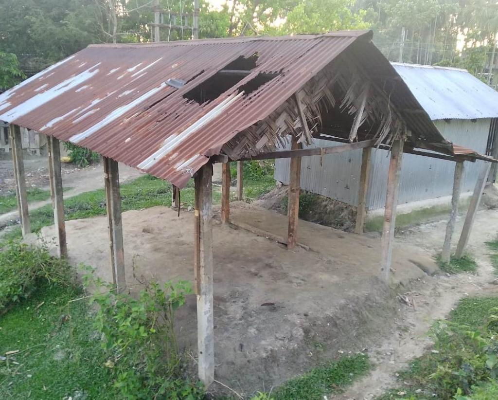 This house was abandoned after it was damaged in an elephant attack. Photo: Atonu Choudhary