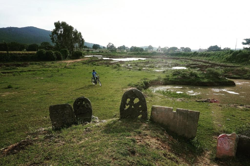In contrast, the Mahadeshwara temple is located at the outskirt of the village bordering a lake, farmland and, strangely, an open defecation site. People said there could be no toilet next to the Ganesha temple, so why would they take a dump near the Mahadeshwara temple? Photo: Anu Karippal