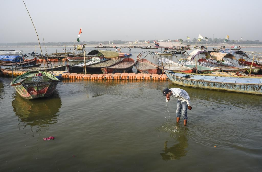 Sewage treatment plants were overflowing during the Kumbh, which means that the sewage could not be treated properly and the visitors did not get clean water for bathing during the Mela. Photo: Adithyan PC