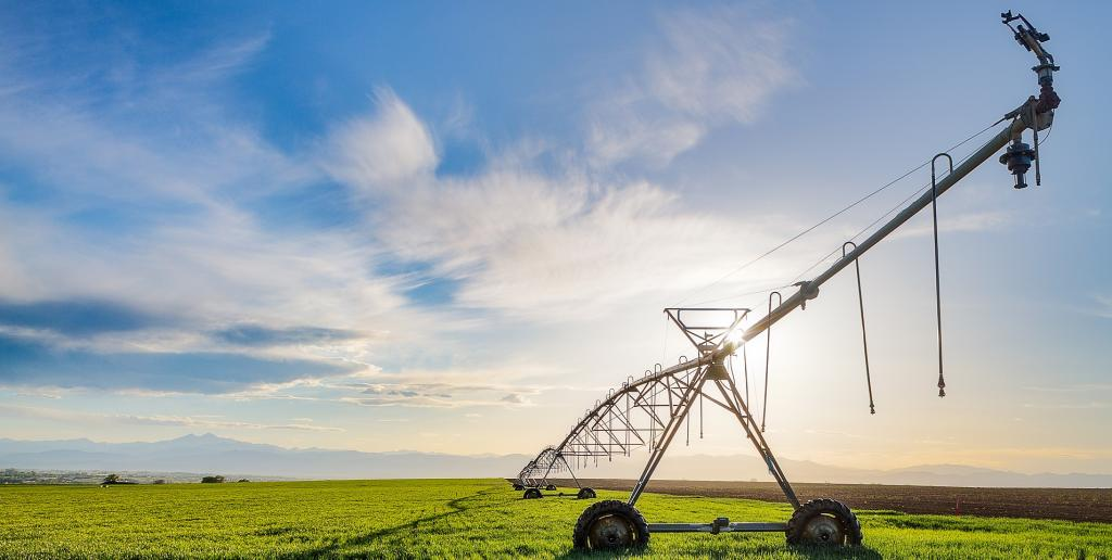 An irrigation sprinkler powered by a solar pump under precision farming. Photo: Getty Images