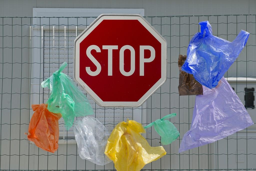 Tanzania bans use of plastic bags