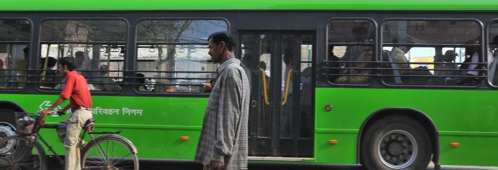 A Delhi Transport Corporation bus. Photo: CSE