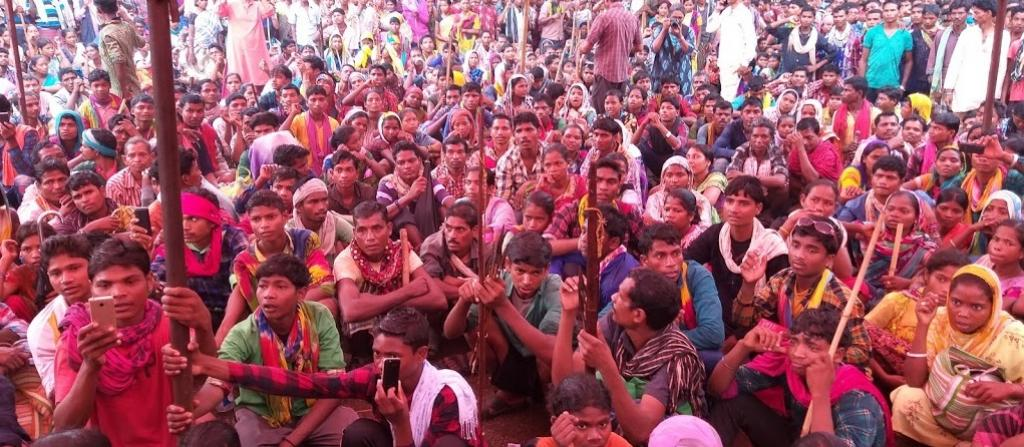 Tribals protest against mining in Bailadila hills. Photo: Purshottam Singh Thakur