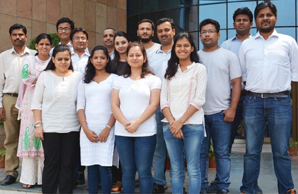 राष्ट्रीय पादप जीनोम अनुसंधान संस्थान में शोधकर्ताओं की टीम