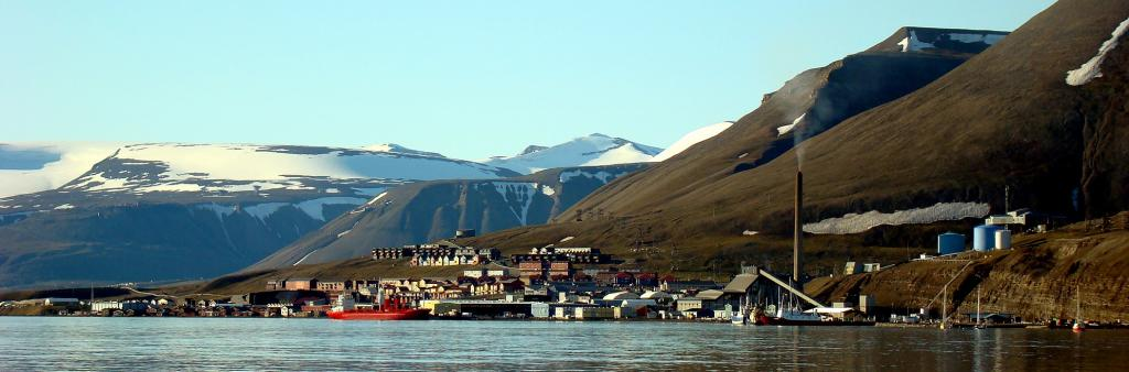 The town of Longyearbyen, Svalbard. Photo: Wikimedia Commons