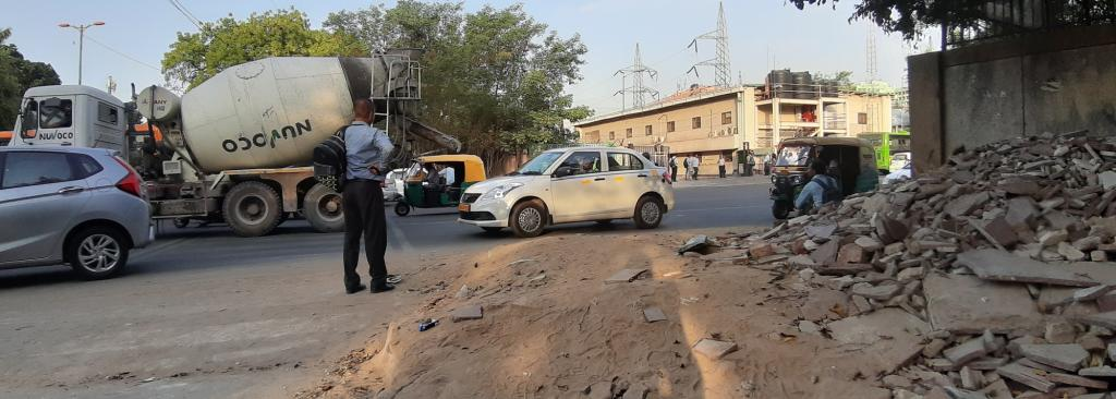 Construction debris lying on a pavement in Delhi. Photo: Avikal Somvanshi