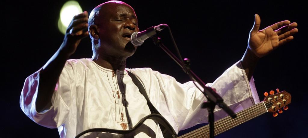 Senegal's singer Ismael Lo performs during the second Pan-African Cultural Festival (PANAF) in Algeria in 2009. EPA/Mohamed Messara