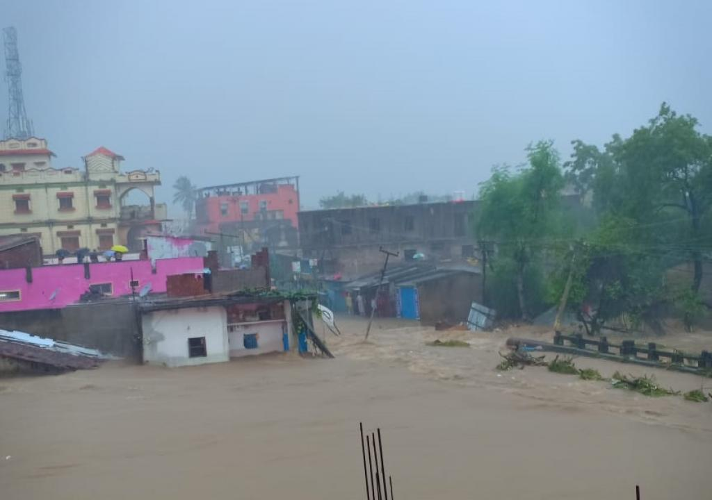 Heavy rainfall leads to floods in Balangir town in Odisha. Photo: Ashis Senapati