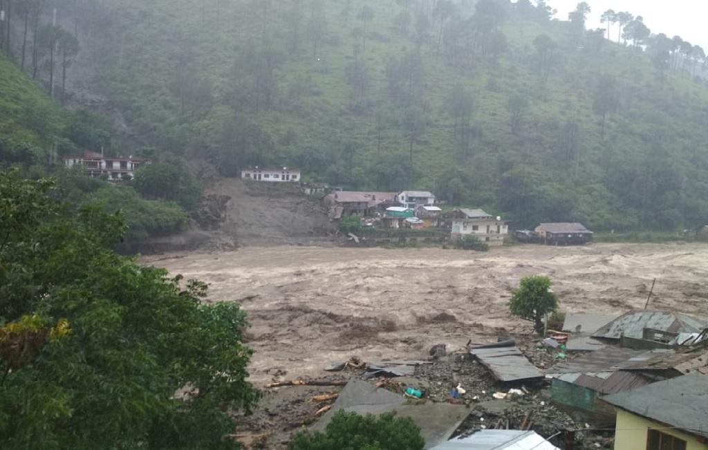 उत्तराखंड के आराकोट में पब्बर नदी ने मचाई तबाही। फोटो: त्रिलोचन भट्ट