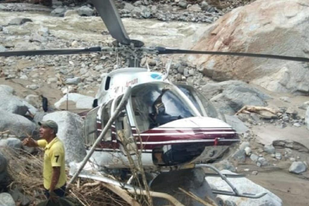 उत्तराखंड के उत्तरकाशी में राहत कार्य में लगे एक हेलीकॉप्टर को शुक्रवार को क्रेश लैंडिंग करनी पड़ी। फोटो: आपदा प्रबंधन विभाग