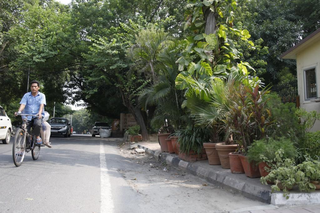 The court ordered that encroachers be given a 15-day notice to remove encroachment. If they fail, municipal authorities will remove it and recover the cost from them as arrears of land revenue. This is another example of a footpath being turned into a personal garden by residents of tony Greater Kailash-II. Photo: Vikas Choudhary
