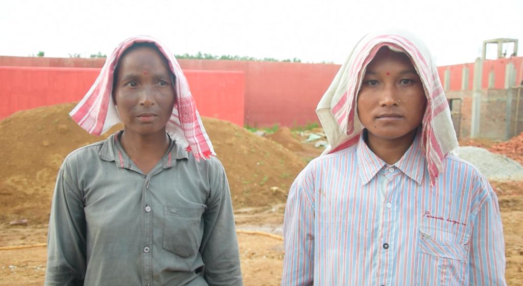 सिपाली हजंग और सरोजनी हजंग। फोटो: अफ़रोज़ आलम साहिल