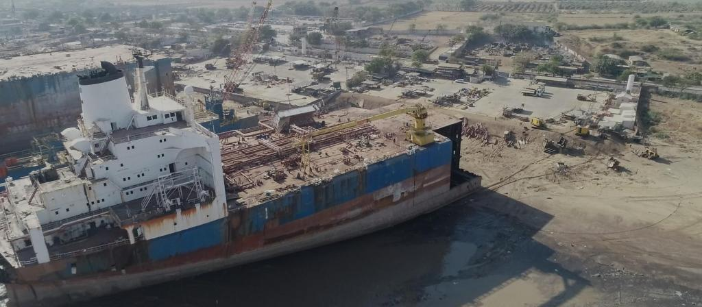 The Alang ship-breaking yard. Photo: Zembla