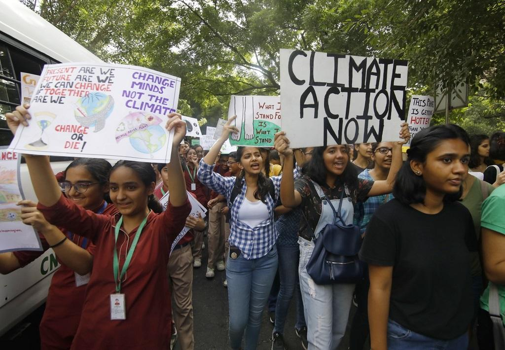 Besides urging world leaders to take action to mitigate the risks posed by global warming, they also demanded multi-national companies to switch to eco-friendly methods of production. Photo: Vikas Choudhary