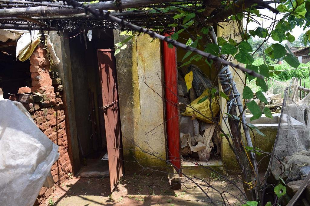 ओडिशा के सुंदरगढ़ जिले में बना एक शौचालय। फोटो: प्रिय रंजन साहू