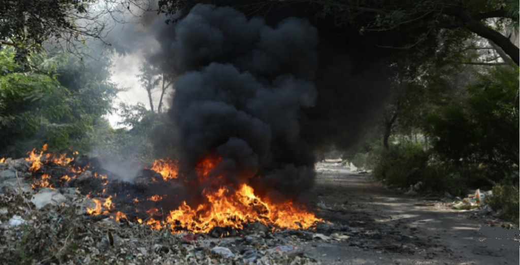 Burning of industrial waste in Mundka. Photo: EPCA